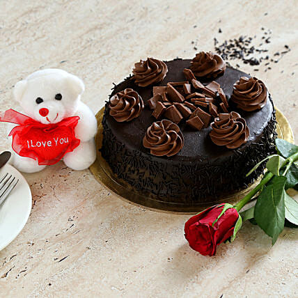 Chocolate Cake Combo: Flower Delivery in Canada