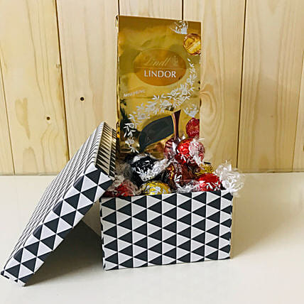 Assorted Lindt Lindor Chocolates: Sending Chocolate in Germany