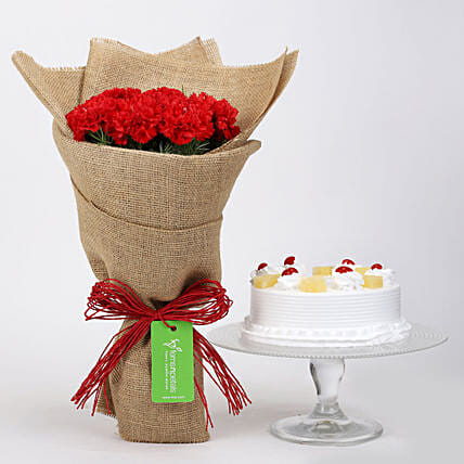 10 Red Carnations & Pineapple Cake: Flower Combos