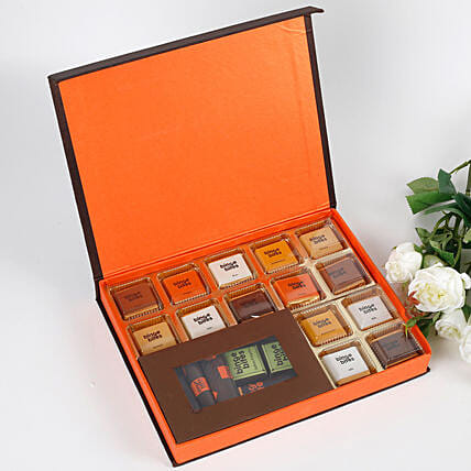 20 Premium Chocolates Gift Box: