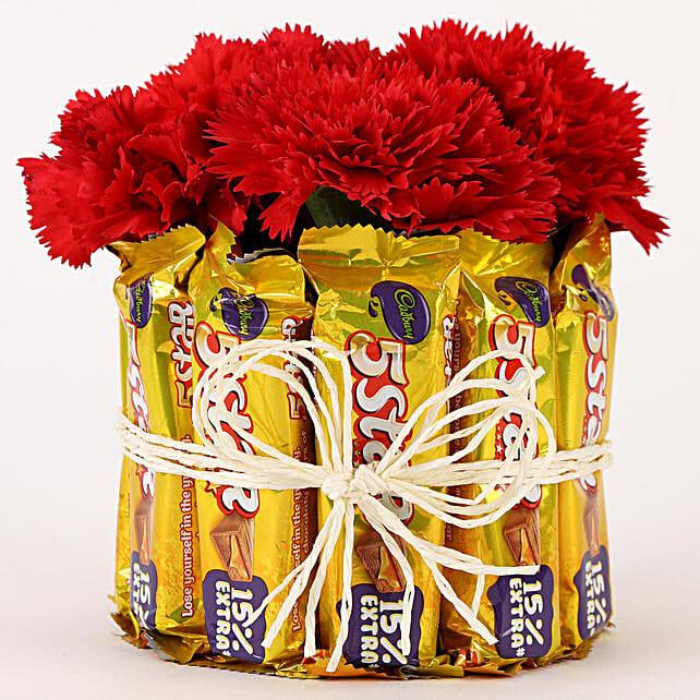5 Star & Carnations Glass Arrangement: Send Flowers and Chocolates
