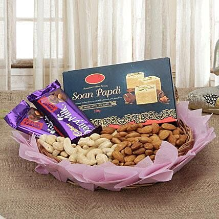 Best Sweetness Deal: Send Gift Hampers to Pune