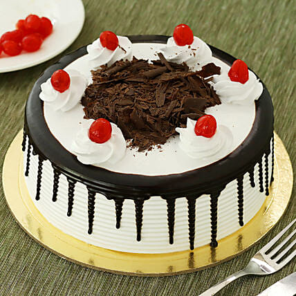 Black Forest Cake: Send Promise Day Gifts