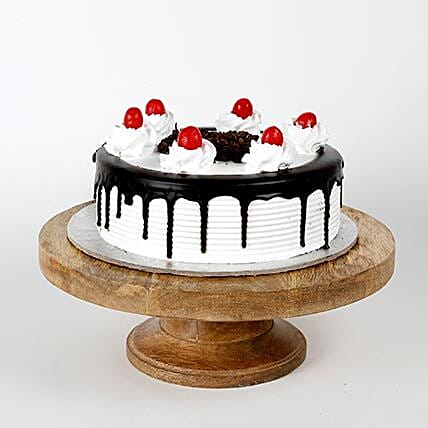 Black Forest Cake: Send Gifts to Bhopal
