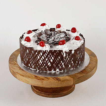 Black Forest Cherries Cream Cake: Send Black Forest Cakes