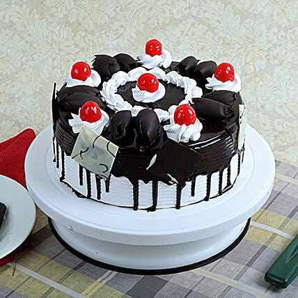 Black Forest Gateau: Gifts to Pathanamthitta