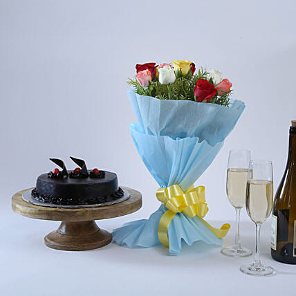 Chocolate Cake and Roses: Flower Bouquet with Cake