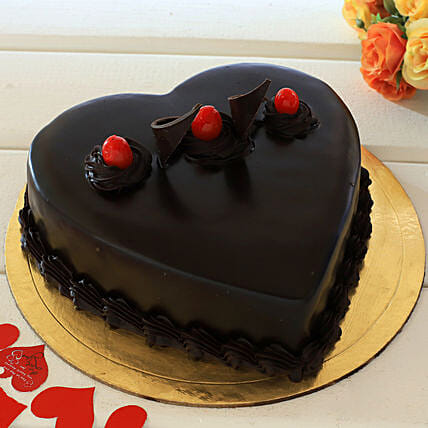 Chocolate Truffle Heart Cake: Hug Day Gifts