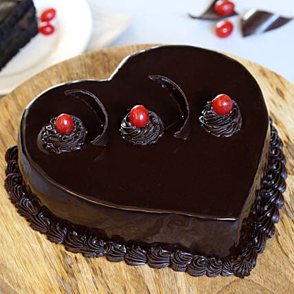Chocolate Truffle Heart Cake: Valentine's Day Gifts