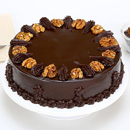 Chocolate Walnut Cake: Walnut Cakes