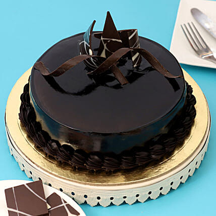 Chocolaty Truffle Cake: Gifts to India