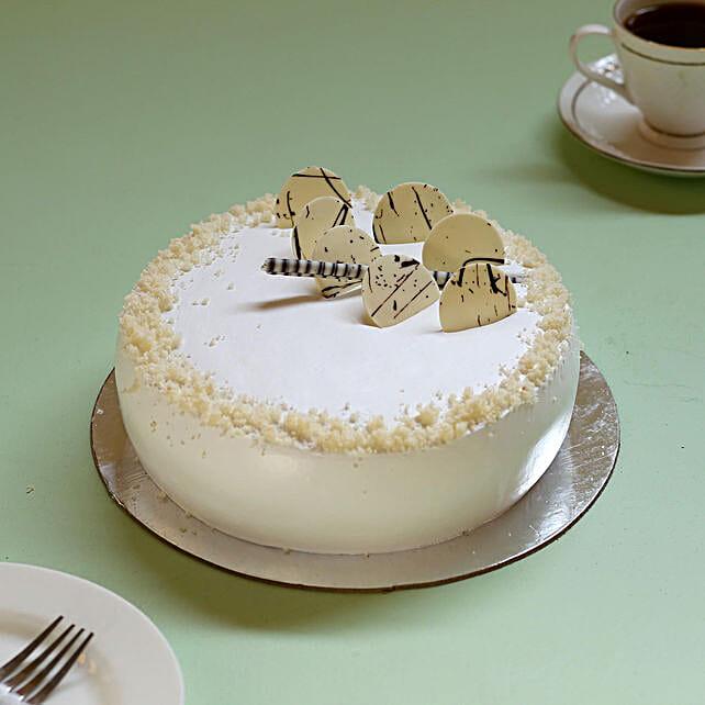 Classic Vanilla Cream Cake: Birthday Cakes