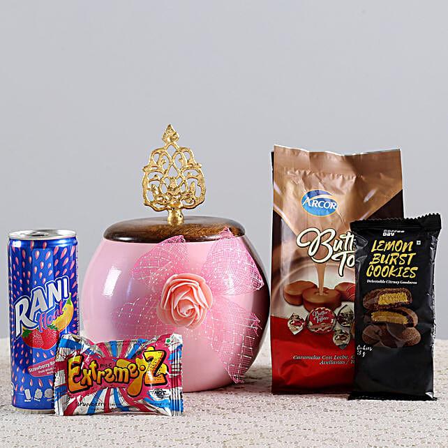 Cookies & Candies Hamper: Gift Hampers