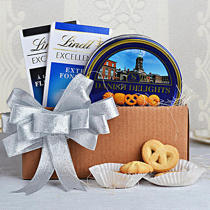 Cookies & Lindt Chocolates Special: Send Gift Hampers