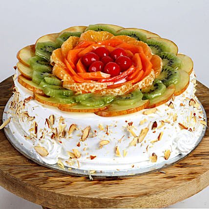 Creamy Vanilla Fruit Cake: Hug Day Gifts