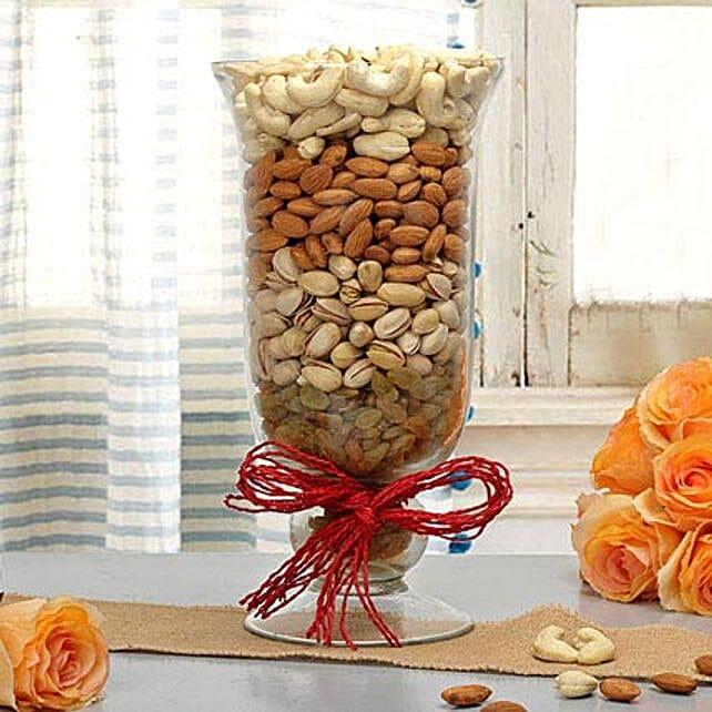 Delightful Gift: Send Karwa Chauth Sargi