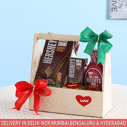 Delightful Hershey's Wooden Basket: Gift Hampers