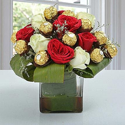 Roses & Ferrero Rocher in Glass Vase: Buy Flowers Combo