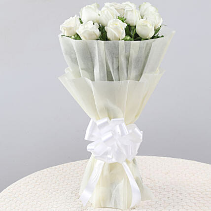 Elegant Pristine White Roses Bouquet: White Flowers