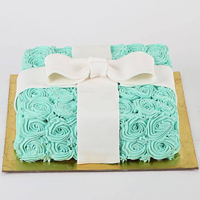 Floral Designer Cake: Strawberry Cakes