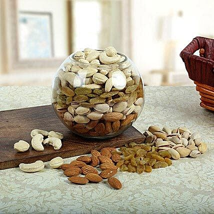 Garnering Compliments: Send Dry Fruits for Karwa Chauth