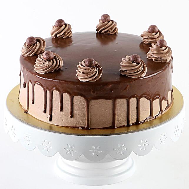 Glazed Chocolate Cream Cake: Hug Day Gifts