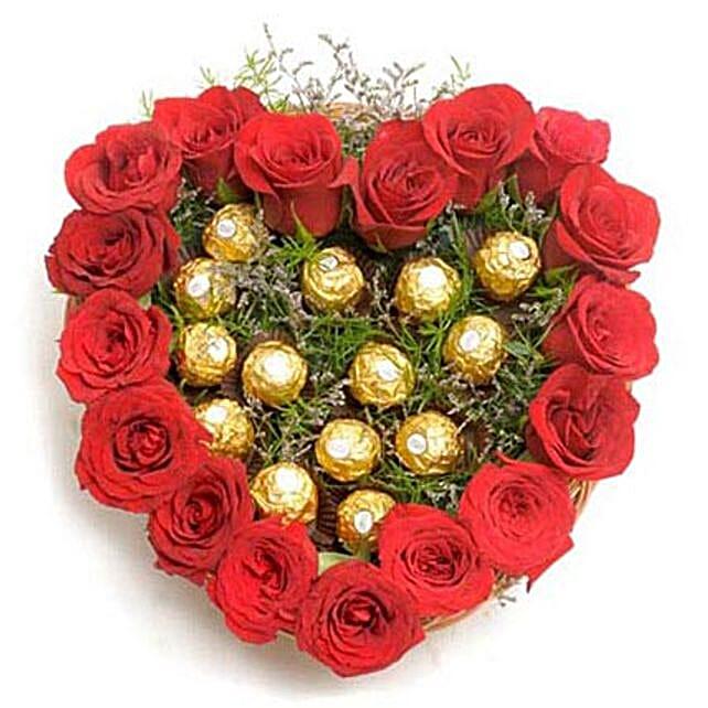 Heart Shape Love: Heart Shaped Flower Arrangements