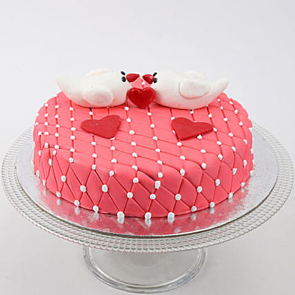 Kissing Birds Cake: Hug Day Gifts