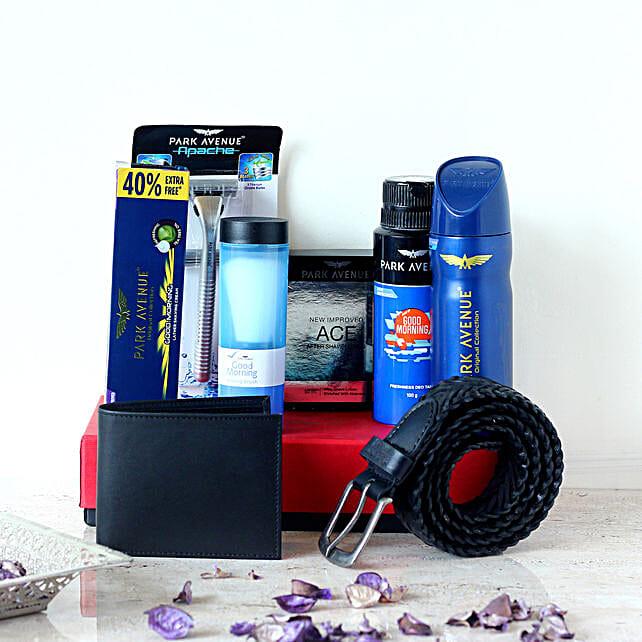 Park Avenue Black Wallet & Belt Gift Set For Men: Cosmetics & Spa Hampers