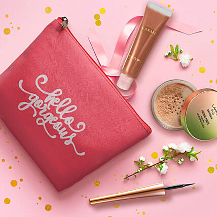 Perfect Lakme Gift Set: Cosmetics & Spa Hampers