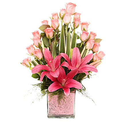 Pink Flowers Vase Arrangement: Vase Arrangements