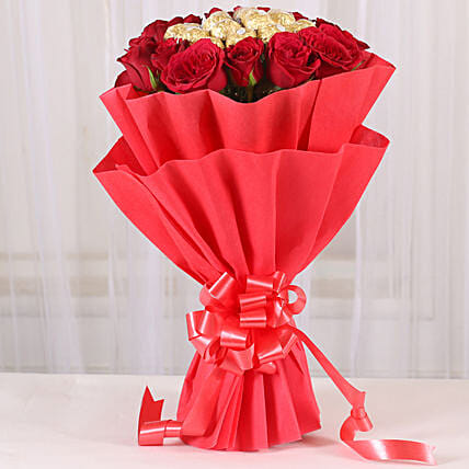 Premium Rocher Bouquet: Exotic Rose Arrangements
