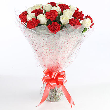 Red & White Carnations Bunch: Flower Bouquets