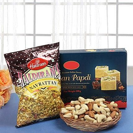 Smart Munch Hamper: Send Bhai Dooj Gift Hampers