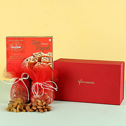 Soan Papdi & Dry Fruits Combo: Gift Hampers