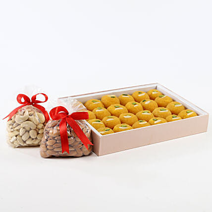 Sweet N Crunch Hamper: Gift Hampers