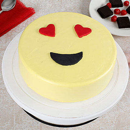 True Love Emoji Cream Cake: Send Designer Cakes