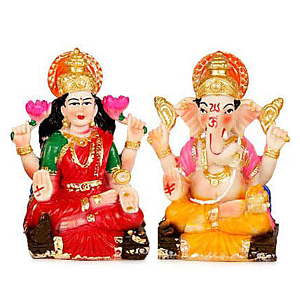 Divinity with Prosperity: Send Handicraft Gifts to Lucknow