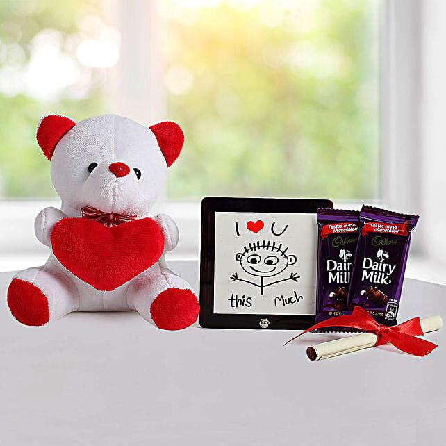 Cute Love Gift: Send Birthday Gift Hampers