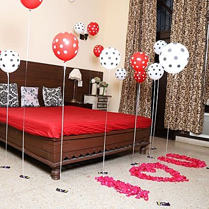 Helium Party: Anniversary Decoration Services