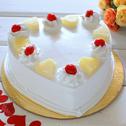Heart Shaped Pineapple Cake: Cakes for 25Th Anniversary