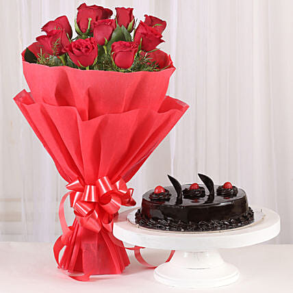 Red Roses with Cake: Send Marriage Anniversary Gifts for Wife