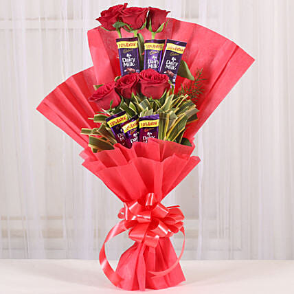 Chocolate Rose Bouquet: Valentine Same Day Delivery Gifts