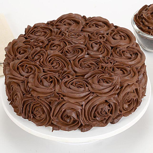 Chocolaty Rose Cake: Send Chocolate Cakes