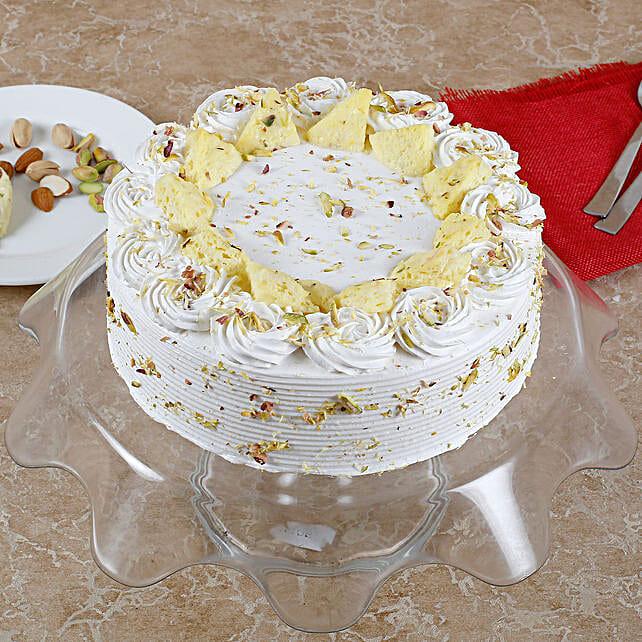 Vanilla Flavored Pista Rasmalai Cake: Sweets Delivery