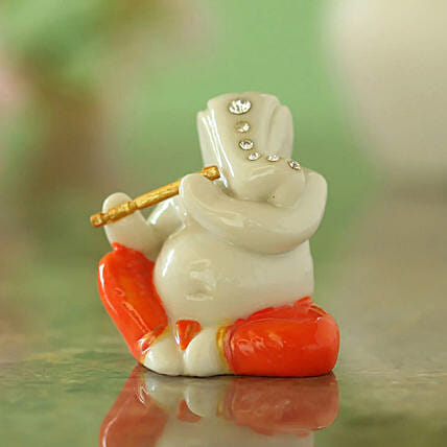 White Lord Ganesha Idol: