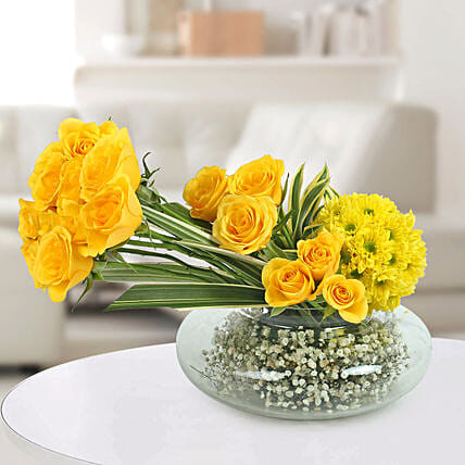 Yellow Roses N Daisies Arrangement:
