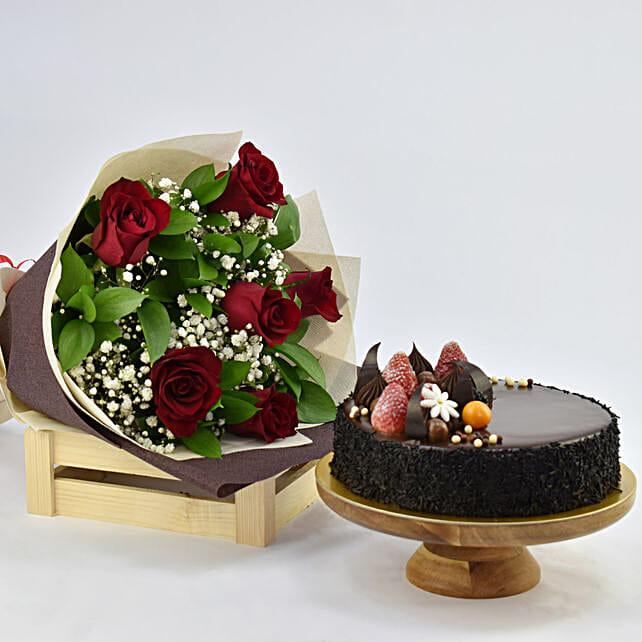 Elegant Rose Bouquet With Chocolate Fudge Cake Send Birthday Gifts To UAE