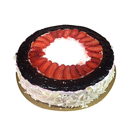 Eggless Mixed Berry Cake: Eggless Cake Delivery in UAE