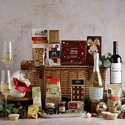 The Traditional Christmas Hamper: Father's Day Gifts to UK